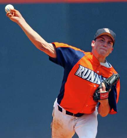 FOR SPORTS - UTSA's Jordan Langley pitches against Texas State Sunday May 8, 2011 at the Roadrunner Field. Texas State won 7-6. (PHOTO BY EDWARD A. ORNELAS/eaornelas@express-news.net) Photo: EDWARD A. ORNELAS, Edward A. Ornelas/Express-News / SAN ANTONIO EXPRESS-NEWS (NFS)