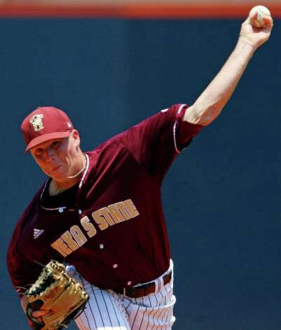 FOR SPORTS - Texas State's Colton Turner pitches against UTSA Sunday May 8, 2011 at the Roadrunner Field. Texas State won 7-6. (PHOTO BY EDWARD A. ORNELAS/eaornelas@express-news.net) Photo: EDWARD A. ORNELAS, Edward A. Ornelas/Express-News / SAN ANTONIO EXPRESS-NEWS (NFS)