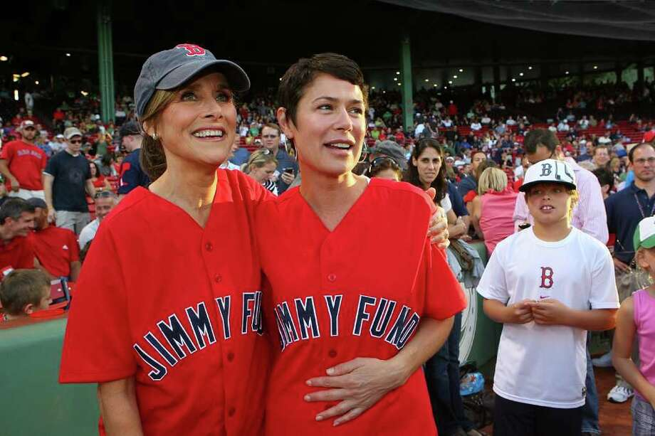 BOSTON - AUGUST 20: Meredith Viera and Maura Tierney help the Jimmy Fund strike out cancer at Fenway Park. Today Show co-host Meredith Vieira and actress and cancer survivor Maura Tierney threw out the first pitch before the Boston Red Sox game against the Toronto Blue Jays on August 20, 2010, as part of the 9th Annual WEEI/NESN Jimmy Fund Radio-Telethon, which supports adult and pediatric cancer care and research at the Dana-Farber Cancer Institute in Boston, Massachusetts. (Photo by Gail Oskin/Getty Images for Dana Farber Cancer Institute) *** Local Caption *** Meredith Viera;Maura Tierney Photo: Gail Oskin, Getty Images For Dana Farber Can / 2010 Getty Images