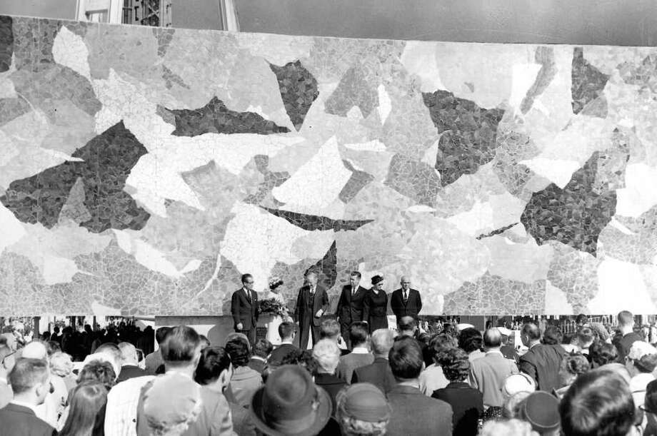 Presiding at the unveiling of Paul Horiuchi's