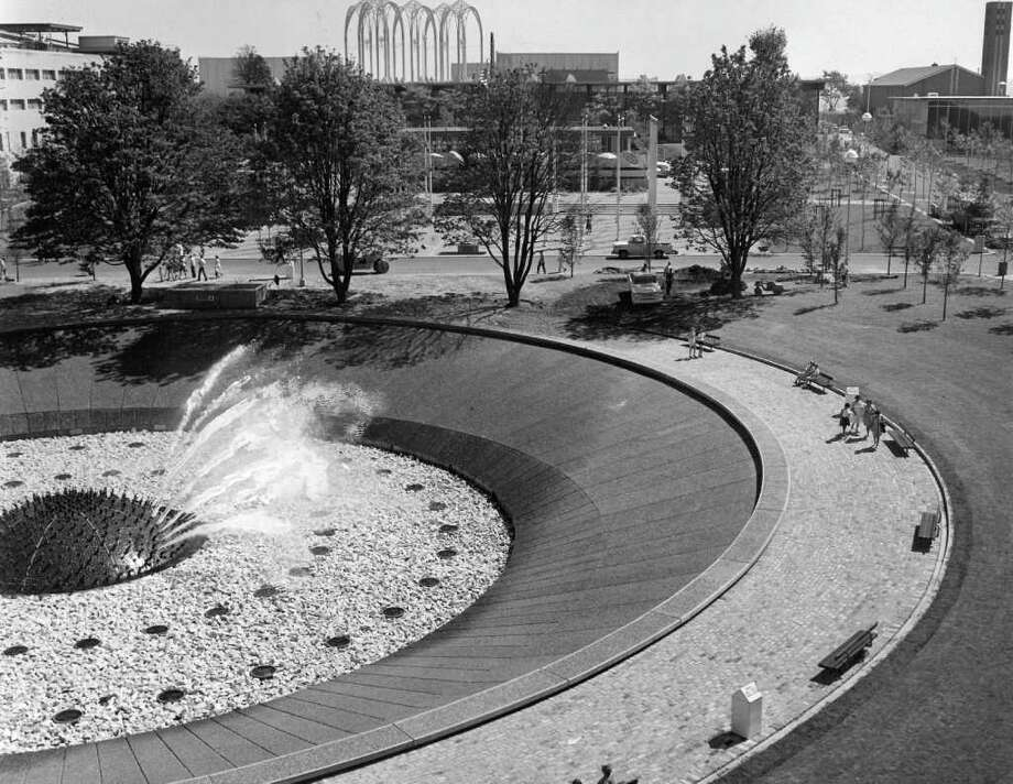 The International Fountain, July 24, 1964. (seattlepi.com file photo) Photo: Seattlepi.com File / Seattle Post-Intelligencer