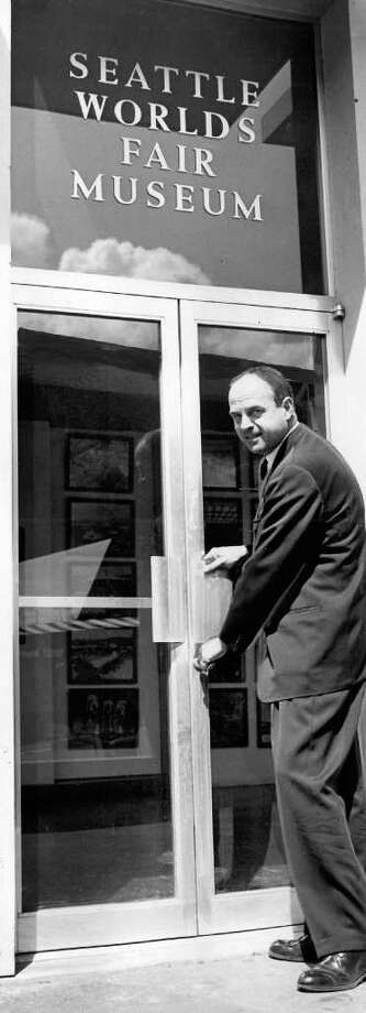 Ewen Dingwall opens World's Fair Museum, June