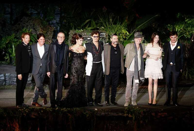 From left, Jerry Bruckheimer, Rob Marshall, Geoffrey Rush, Penélope Cruz, Johnny Depp, Ian McShane,