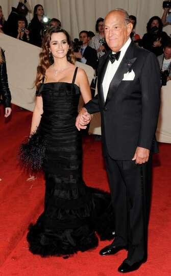 Actress Penelope Cruz and fashion designer Oscar De La Renta arrive at the Metropolitan Museum of Ar