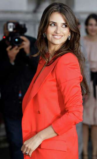 Spanish actress Penelope Cruz arrives for the U.K. premiere of Broken Embraces at Somerset House in