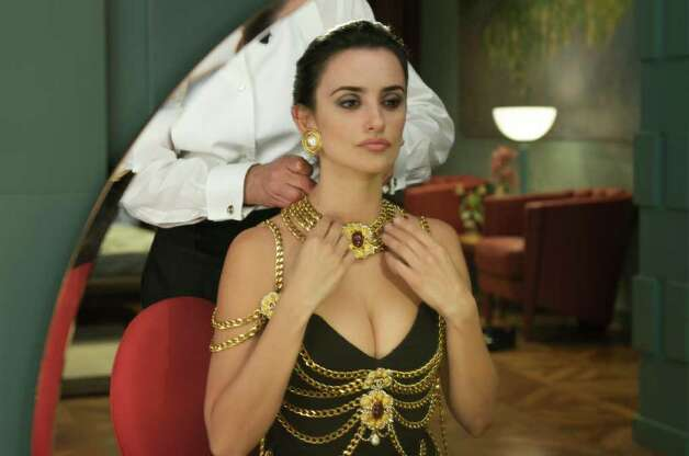"Penelope Cruz stars in ""Broken Embraces"" Photo: Sony Pictures Classics / ©Emilio Pereda/Paola Ardizzoni"
