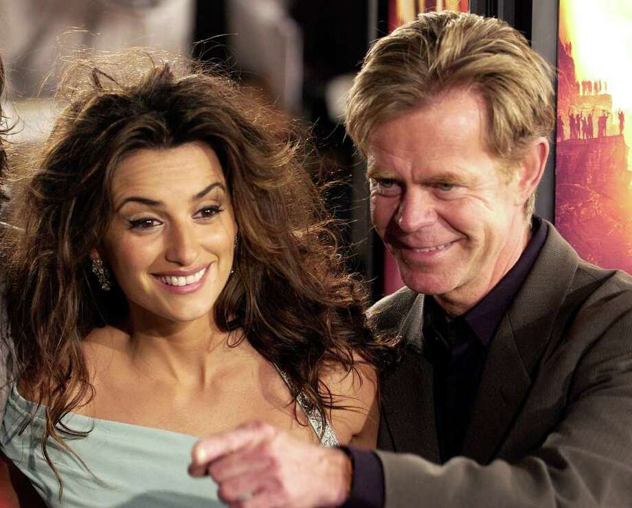 "Penelope Cruz, left, and William H. Macy, cast members in the new film ""Sahara,"" pose together at the premiere of the film at Grauman's Chinese Theater in Los Angeles, Monday, April 4, 2005. Photo: CHRIS PIZZELLO, AP / AP"