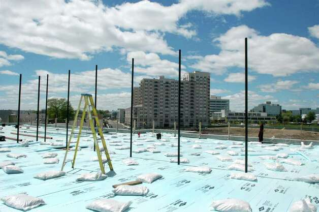 The roof of the new Waterside School building at 770 Pacific St., Stamford, Conn. will house the playing fields. Photo: Cathy Zuraw / Stamford Advocate