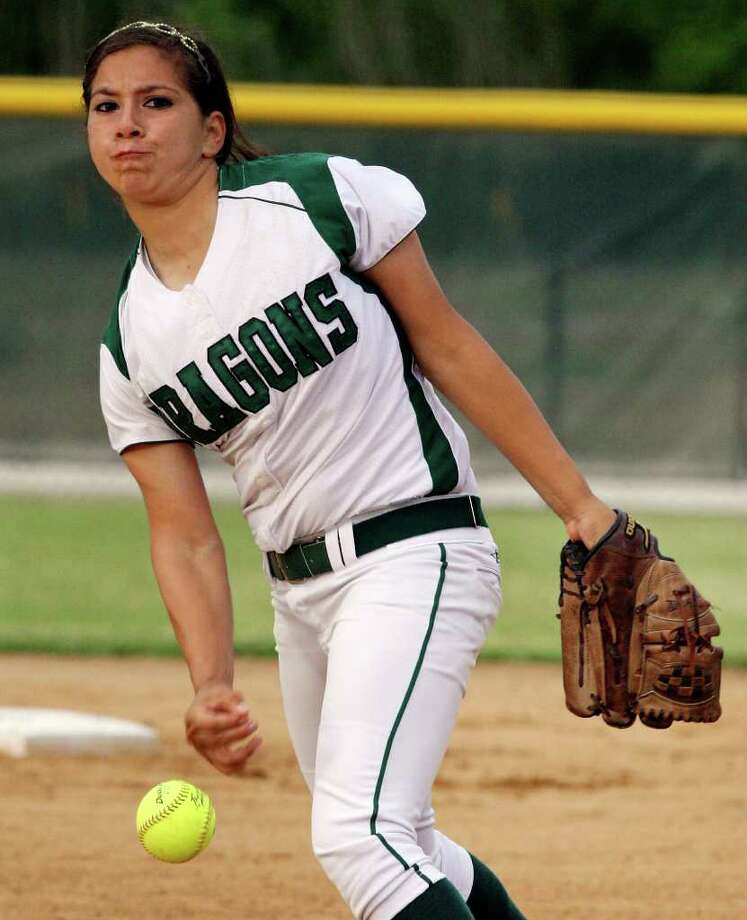Southwest's Katrisha Arocha is 58-10 with 519 strikeouts and an ERA of 1.08 in her two years as the Dragons' ace. EDWARD A. ORNELAS/eaornelas@express-news.net Photo: EDWARD A. ORNELAS, Express-News / SAN ANTONIO EXPRESS-NEWS (NFS)