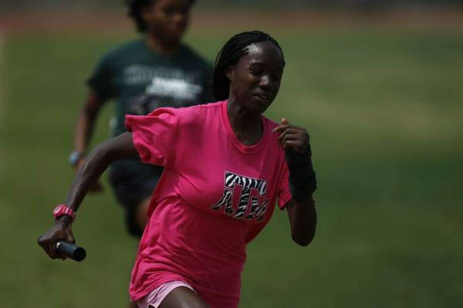 Kingwood Park track athlete Mariam Amadu will try to earn her third straight gold medal in the 300-meter hurdles. Photo: Johnny Hanson, Chronicle