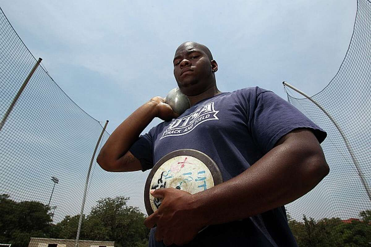 UTSA's Richard Garrett Jr. holds the school's record for indoor and outdoor shot put, and broke a 25-year-old Texas Relay discus record. JOHN DAVENPORT/jdavenport@express-news.net