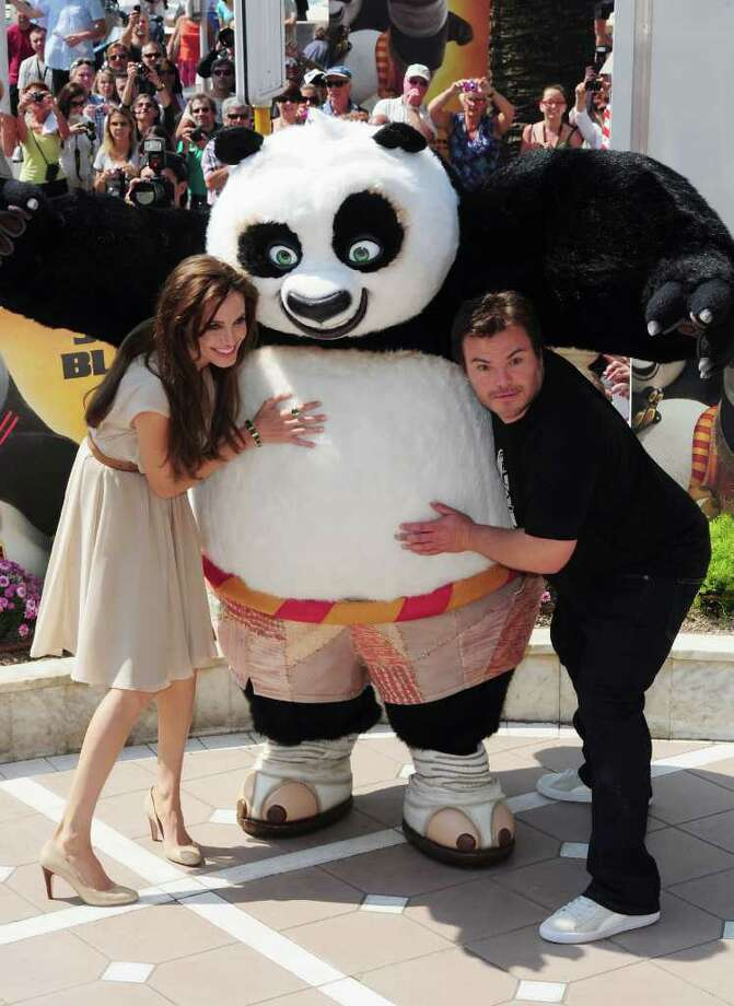 Actors Jack Black (R) and Angelina Jolie attend the 'Kung Fu Panda 2' photocall during the 64th Annual Cannes Film Festival at the Carlton Hotel on May 12, 2011 in Cannes, France.  (Photo by Ian Gavan/Getty Images) *** Local Caption *** Angelina Jolie;Jack Black; Photo: Getty Images