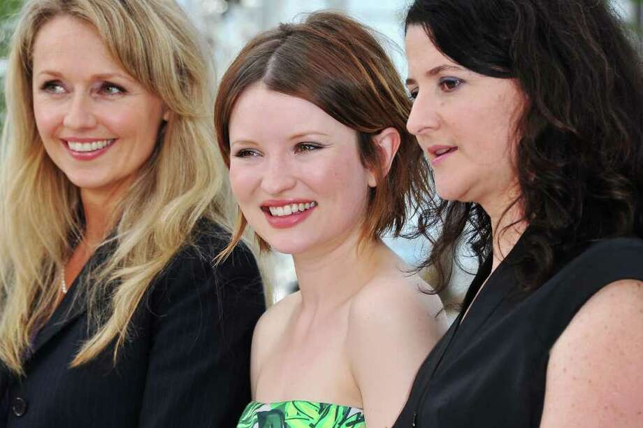 (L-R) Actress Rachael Blake, Emily Browning and director/writer Julia Leigh attend the 'Sleeping Beauty' photocall during the 64th Annual Cannes Film Festival at the Palais des Festivals on May 12, 2011 in Cannes, France.  (Photo by Pascal Le Segretain/Getty Images) *** Local Caption *** Rachael Blake;Emily Browning;Julia Leigh; Photo: Getty Images
