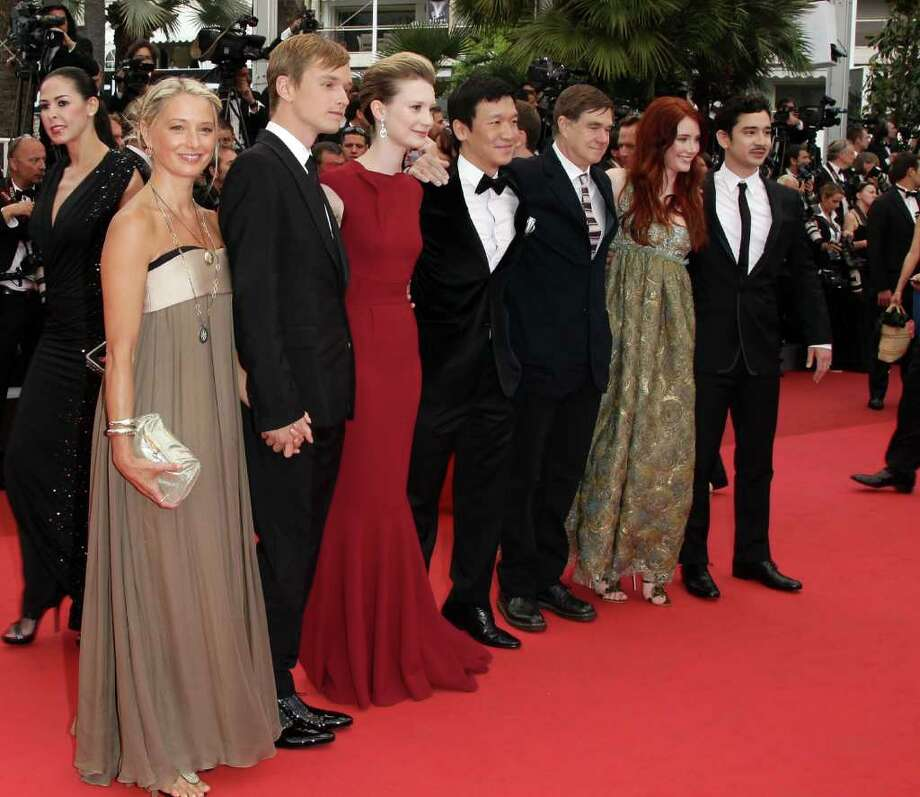 (L-R) Guest, Actor Henry Hopper, actress Mia Wasikowska,  writer Jason Lew, director Gus Van Sant, Bryce Dallas Howard, and  guest arrive at the 'Restless' premiere during the 64th Annual Cannes Film Festival at the Palais des Festivals on May 12, 2011 in Cannes, France.  (Photo by Andreas Rentz/Getty Images) *** Local Caption *** Gus Van Sant;Bryce Dallas Howard;Henry Hopper;Mia Wasikowska;Jason Lew; Photo: Getty Images