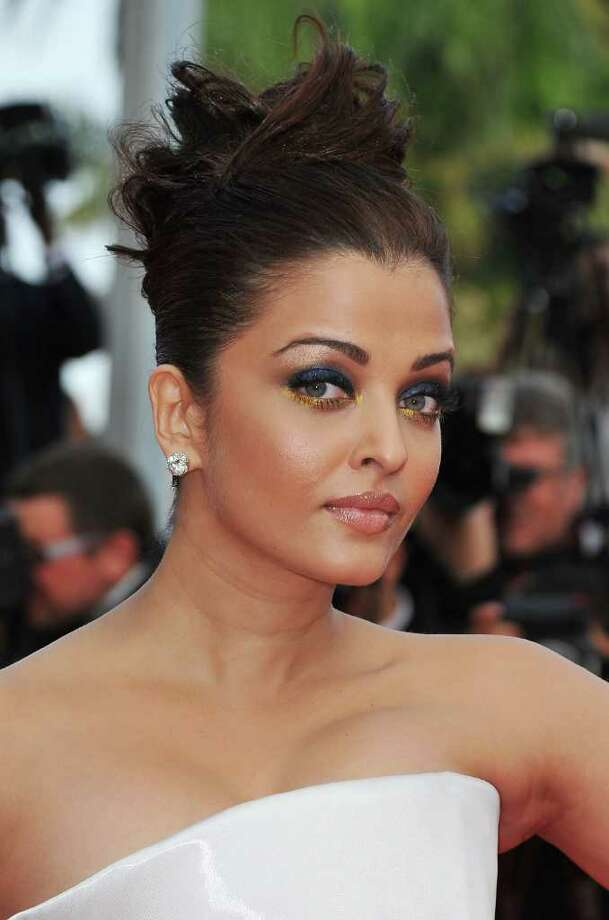 Bollywood actress Aishwarya Rai Bachchan arrives at the 'Sleeping Beauty' premiere during the 64th Annual Cannes Film Festival at the Palais des Festivals on May 12, 2011 in Cannes, France.  (Photo by Pascal Le Segretain/Getty Images) *** Local Caption *** Aishwarya Rai Bachchan; Photo: Getty Images