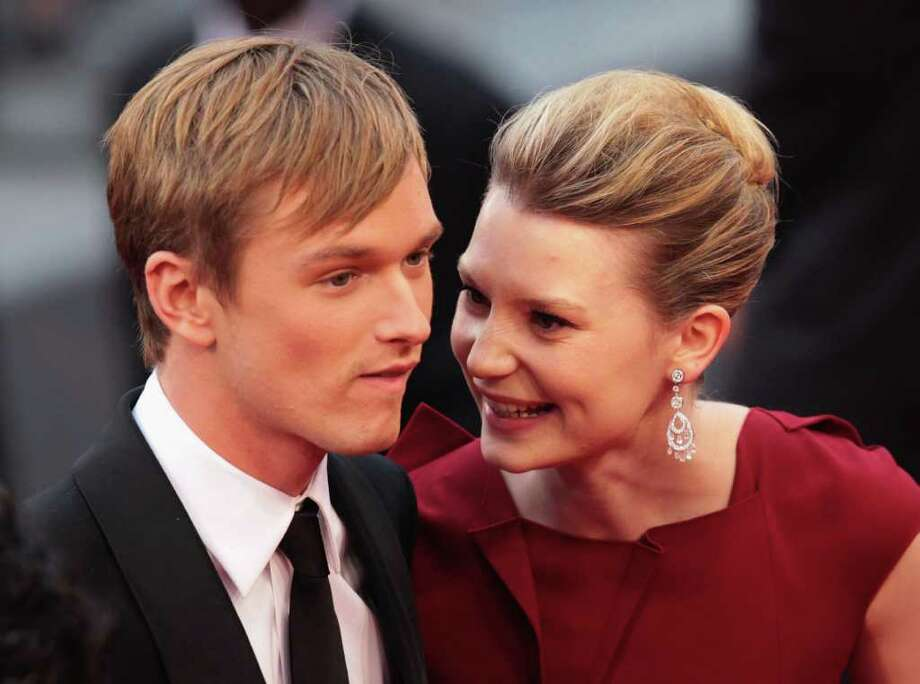 Actors Henry Hopper (L) and Mia Wasikowska arrive at the 'Restless' premiere during the 64th Annual Cannes Film Festival at the Palais des Festivals on May 12, 2011 in Cannes, France.  (Photo by Vittorio Zunino Celotto/Getty Images) *** Local Caption *** Henry Hopper;Mia Wasikowska; Photo: Getty Images