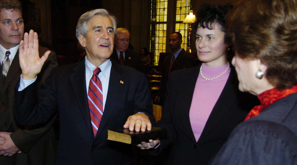 Former Senate Majority Leader Joseph Bruno is sworn in by then Chief Judge Judith Kaye, right, as his daughter, Susan Bruno, holds a bible. (Skip Dickstein / Times Union)