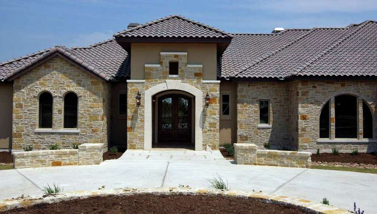 FOR REAL ESTATE - A view of the Trinity Custom Builders home at 341 Menger Springs Monday May 9, 2011 in the Menger Springs community of Boerne, Tx. (PHOTO BY EDWARD A. ORNELAS/eaornelas@express-news.net)