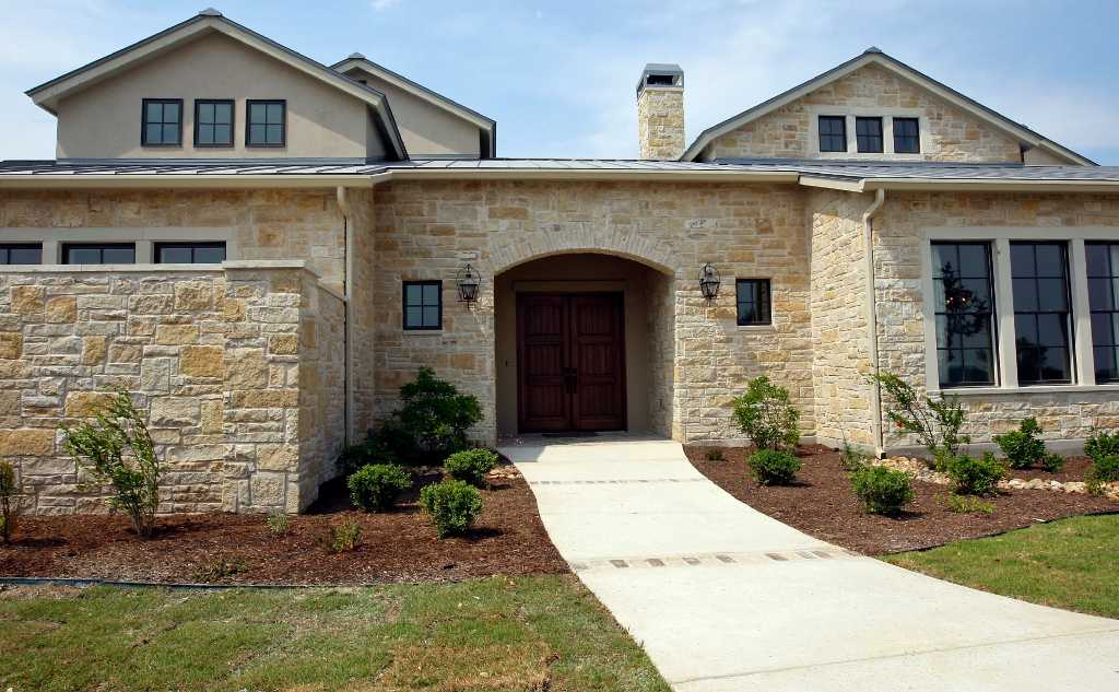 Contemporary Cool Classic Warmth At Homes Of Distinction