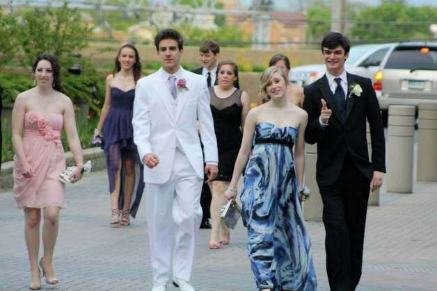 Darien High School students begin arriving at the Stamford Hilton for prom. Photo: Contributed Photo / Darien News
