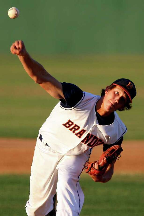 Brandeis' Steven Keenum pitches against Reagan Friday May 13, 2011 at Northside Field. Brandeis won 4-1. EDWARD A. ORNELAS/eaornelas@express-news.net / SAN ANTONIO EXPRESS-NEWS (NFS)