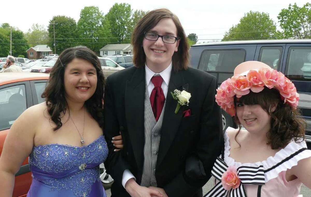 Were you seen at the 2011 Stillwater High School Senior Prom?