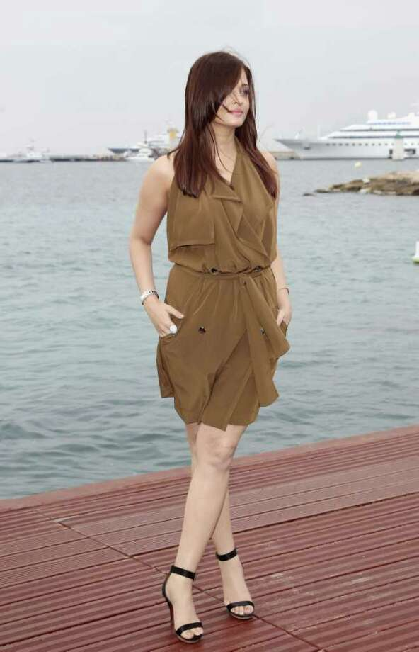 Actress Aishwarya Rai Bachchan attends a photocall  at the Majestic Beach Pier during the 64th Cannes Film Festival on May 13, 2011 in Cannes, France.  (Photo by Andreas Rentz/Getty Images) *** Local Caption *** Aishwarya Rai Bachchan; Photo: Getty Images