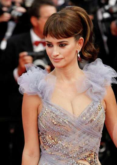 Actress Penelope Cruz poses on the red carpet for the screening of Pirates of the Caribbean: On Stra