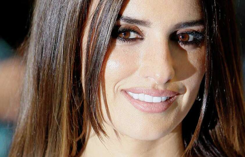 Spanish actress Penelope Cruz arrives at the UK Premier of the film 'Pirates of the Caribbean - On S