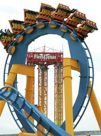 "SA life weekender - Six Flags Fiesta Texas's newest ride, ""Goliath"" opens to the public on Friday, April 18th.  Wednesday, April 16, 2008.  Photo Bob Owen Photo: Bob Owen, SAN ANTONIO EXPRESS-NEWS / SAN ANTONIO EXPRESS-NEWS"