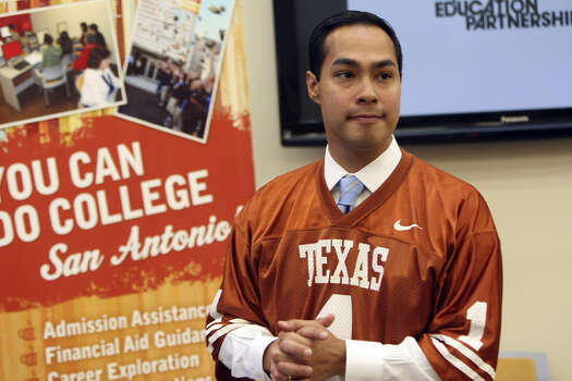 "Mayor Julian Castro announces the kickoff of College Week at Cafe College. The initiative, which Castro organized with Cafe College, the San Antonio Education Partnership and Generation TX, is ""a great way of telling the next generation of students that this is what we expect, this is what we want for you,"" the mayor said. Photo: Helen L. Montoya/hmontoya@express-news.net"