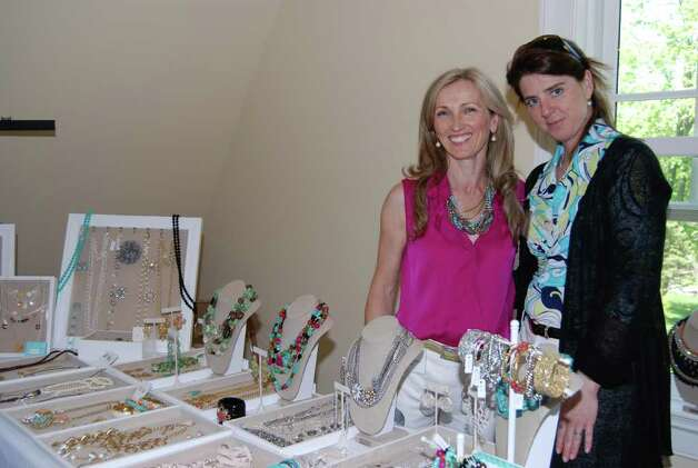 Gerrie Musicco of Stella and Dot jewelry with Maura Craig. Photo: Jeanna Petersen Shepard / New Canaan News