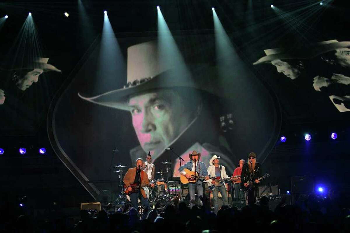 LAS VEGAS - MAY 23: (L-R) Musician Chris Hillman,Travis Barker, Dwight Yoakam, Brad Paisley and Billy Gibbons of ZZ Top perform in the the Buck Owens tribute onstage during the 41st Annual Academy Of Country Music Awards held at the MGM Grand Garden Arena on May 23, 2006 in Las Vegas, Nevada. (Photo by Ethan Miller/Getty Images)