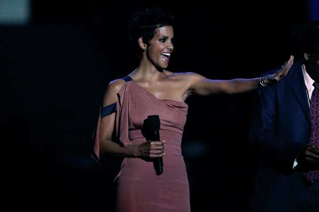 """Halle Berry appears during a star-studded double-taping of """"Surprise Oprah! A Farewell Spectacular,"""" Tuesday, May 17, 2011, in Chicago. Photo: AP"""