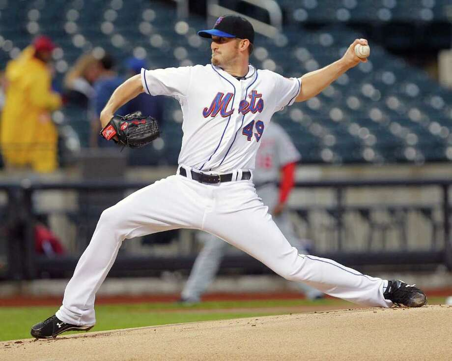 New York Mets starter Jonathon Niese throws a pitch in the first inning of a baseball game against the Washington Nationals at Citi Field in New York, Wednesday, May 18, 2011. (AP Photo/Paul J. Bereswill) Photo: Paul J. Bereswill