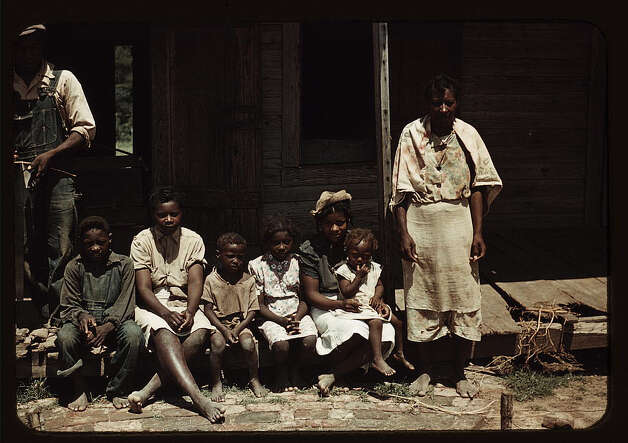 Bayou Bourbeau plantation, a FSA cooperative, Natchitoches, La. Aug. 1940. (LOC) Photo: Library Of Congress 1940s Color Photo Collection / No known restrictions on publication