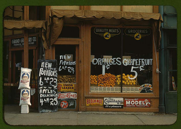 [Grand Grocery Co.], Lincoln, Neb. 1942. (LOC) Photo: Library Of Congress 1940s Color Photo Collection / No known restrictions on publication