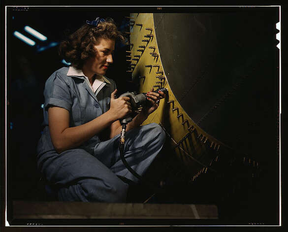 Riveter at work on Consolidated bomber, Consolidated Aircraft Corp., Fort Worth, Texas. Oct. 1942. (LOC) Photo: Library Of Congress 1940s Color Photo Collection / No known restrictions on publication