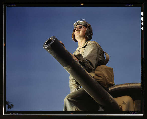Crewman of an M-3 tank, Ft. Knox, Ky. June 1942. (LOC) Photo: Library Of Congress 1940s Color Photo Collection / No known restrictions on publication