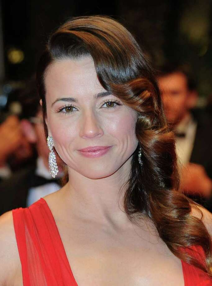 "Actress Linda Cardellini attends the ""Hara-Kiri-Death Of A Samurai"" premiere during the 64th Annual Cannes Film Festival at Palais des Festivals in Cannes, France. Photo: Michael Buckner, Getty Images / 2011 Getty Images"
