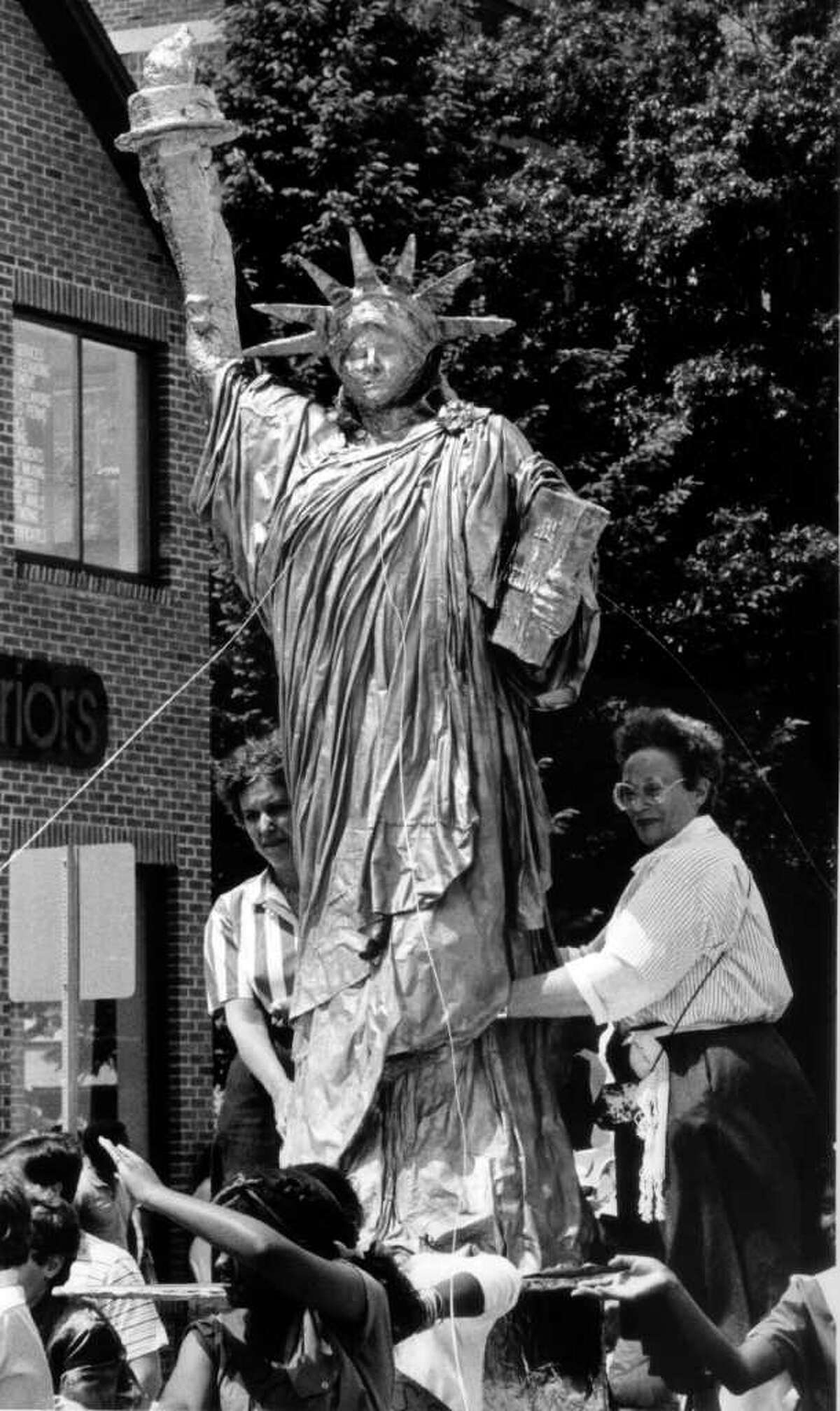 May 25, 1986: Turn of River Middle School's Statue of Liberty float in Stamford's Memorial Day parade.