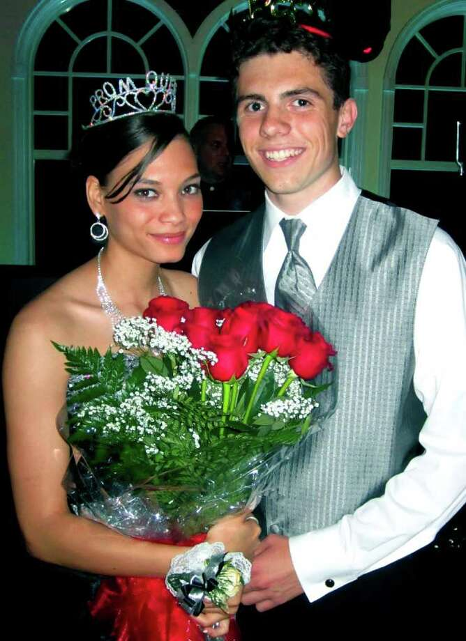 SPECTRUM/Mike Stoklosa and Shyena Joseph reign as regal King and Queen at the New Milford High School senior prom, May 20, 2011 at the Waterview in Monroe. Photo: Norm Cummings / The News-Times
