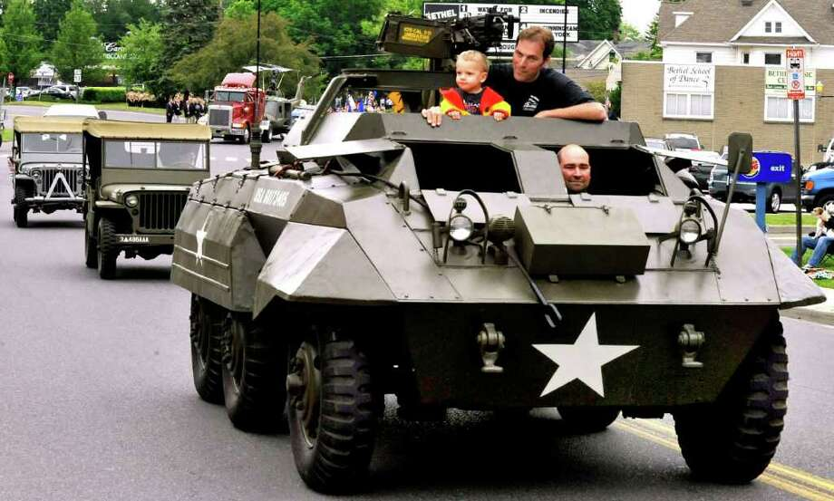 The Bethel Memorial Day parade was held on Sunday, May 22, 2011. Photo: Michael Duffy / The News-Times