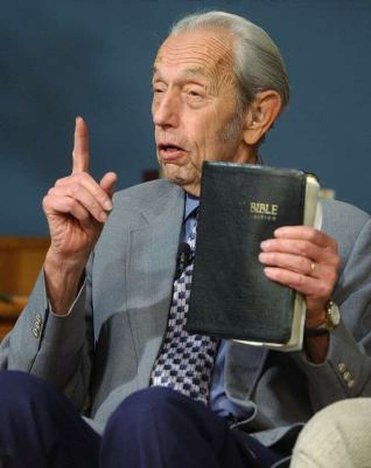 Harold Camping in 2002. Photo: AP