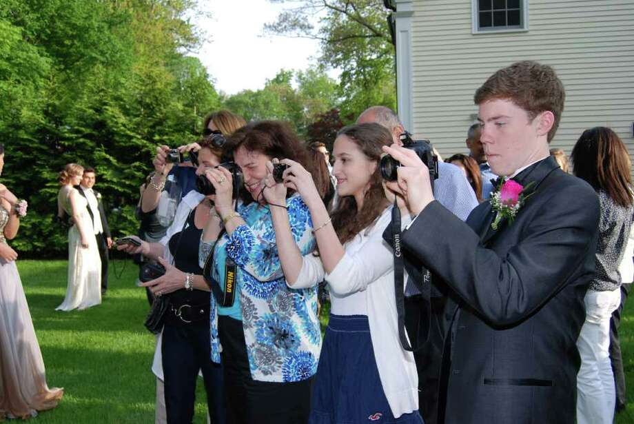 The paparazzi snaps away! Photo: Jeanna Petersen Shepard / New Canaan News