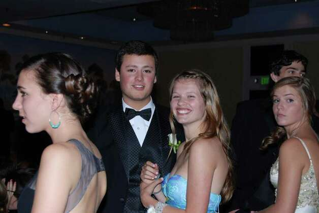 Kyle Peet and Annie Horstmeyer at the NCHS Senior Prom. Photo: Jeanna Petersen Shepard / New Canaan News