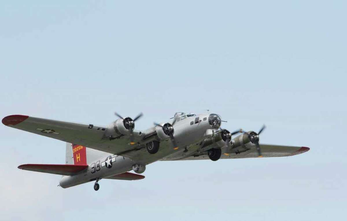 WWII era B-17 aircraft named the