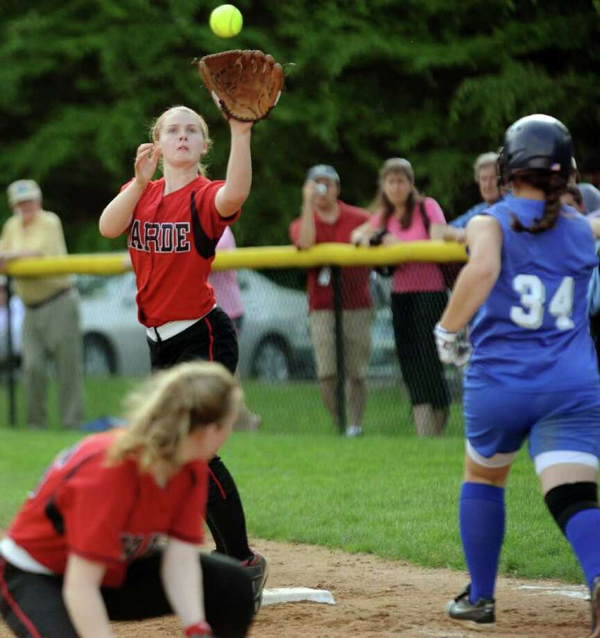 Highlights from girls FCIAC softball quarterfinals between Fairfield Warde and Darien in Darien on Tuesday May 24, 2011. Photo: Christian Abraham / Connecticut Post