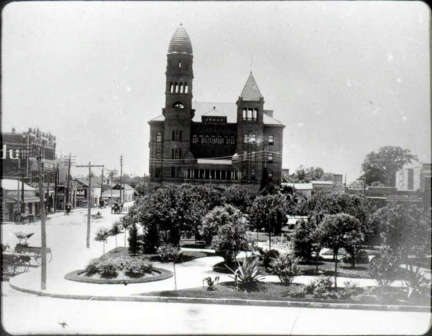 Main Plaza and the Bexar County Courthouse 1902-1904.