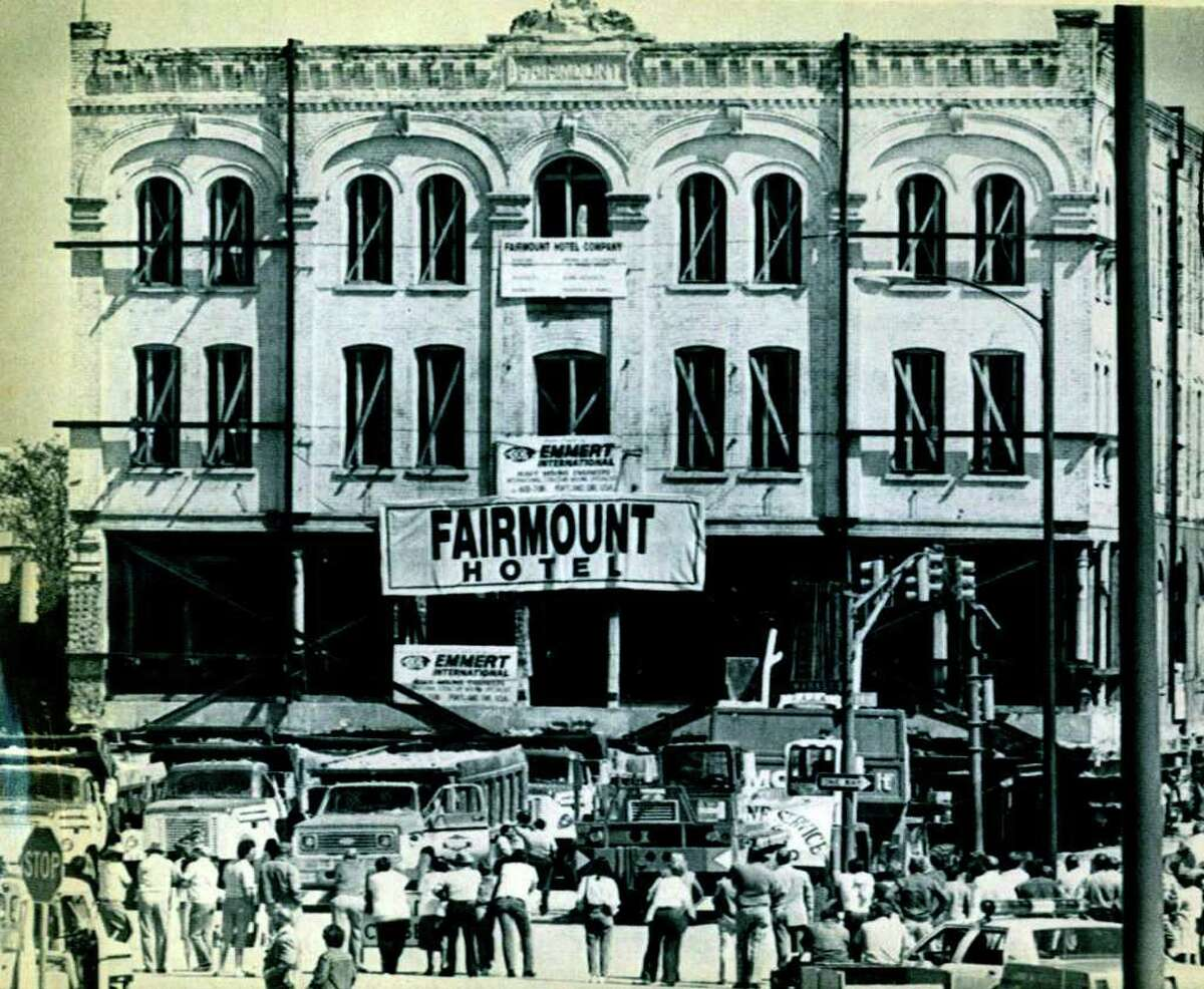 The Fairmount Hotel inches its way down Bowie street in San Antonio in 1985 during a four block move across downtown.